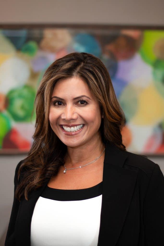 Headshot Dr Michelle Biz